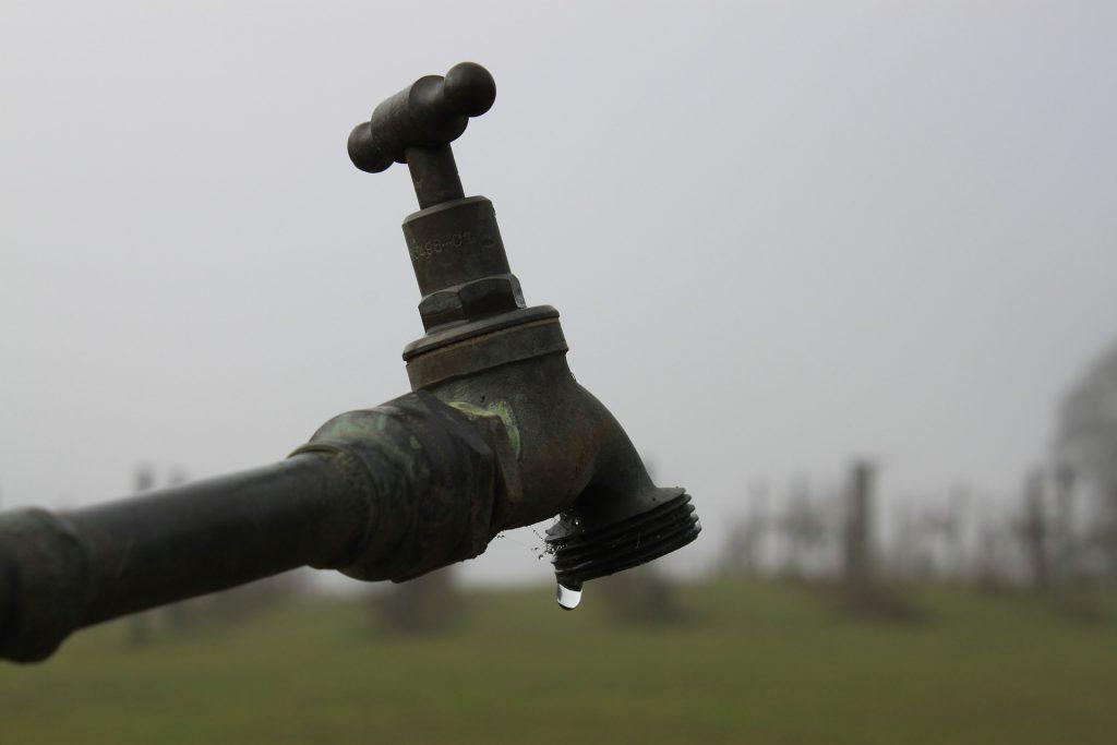 tap leaks